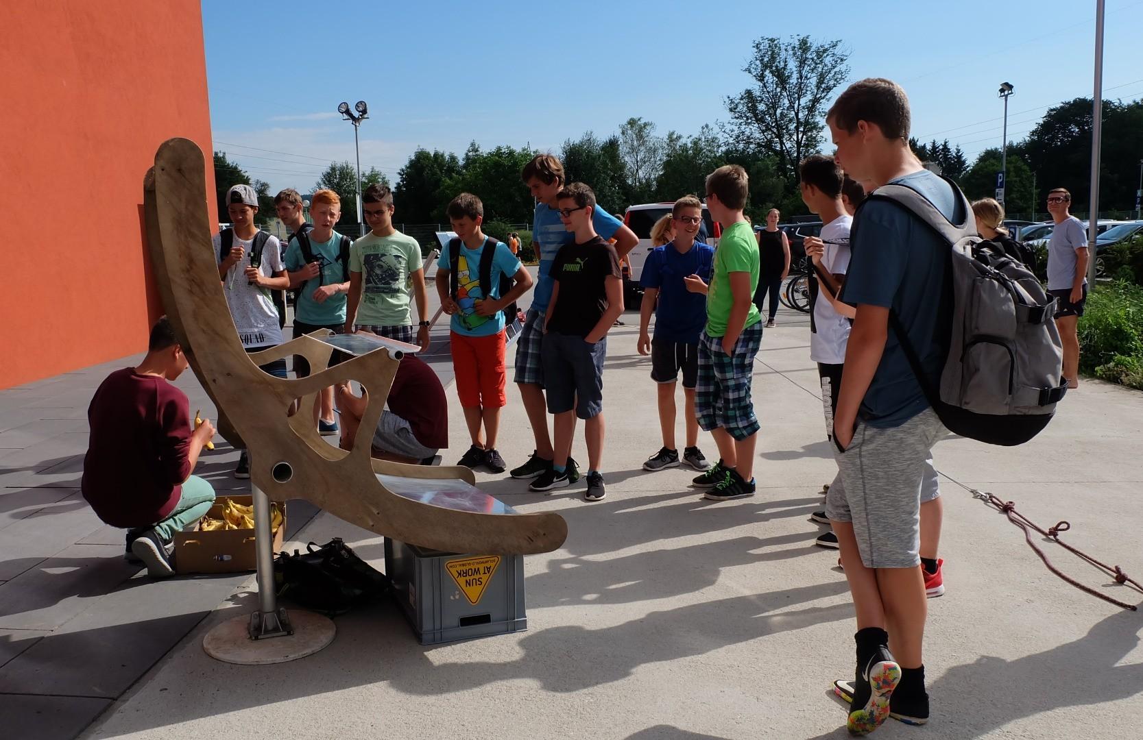 Klimaschulen_AbschlussAMNord_Solarkocher.jpg