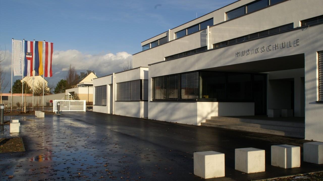 Volksschule neu 2.JPG