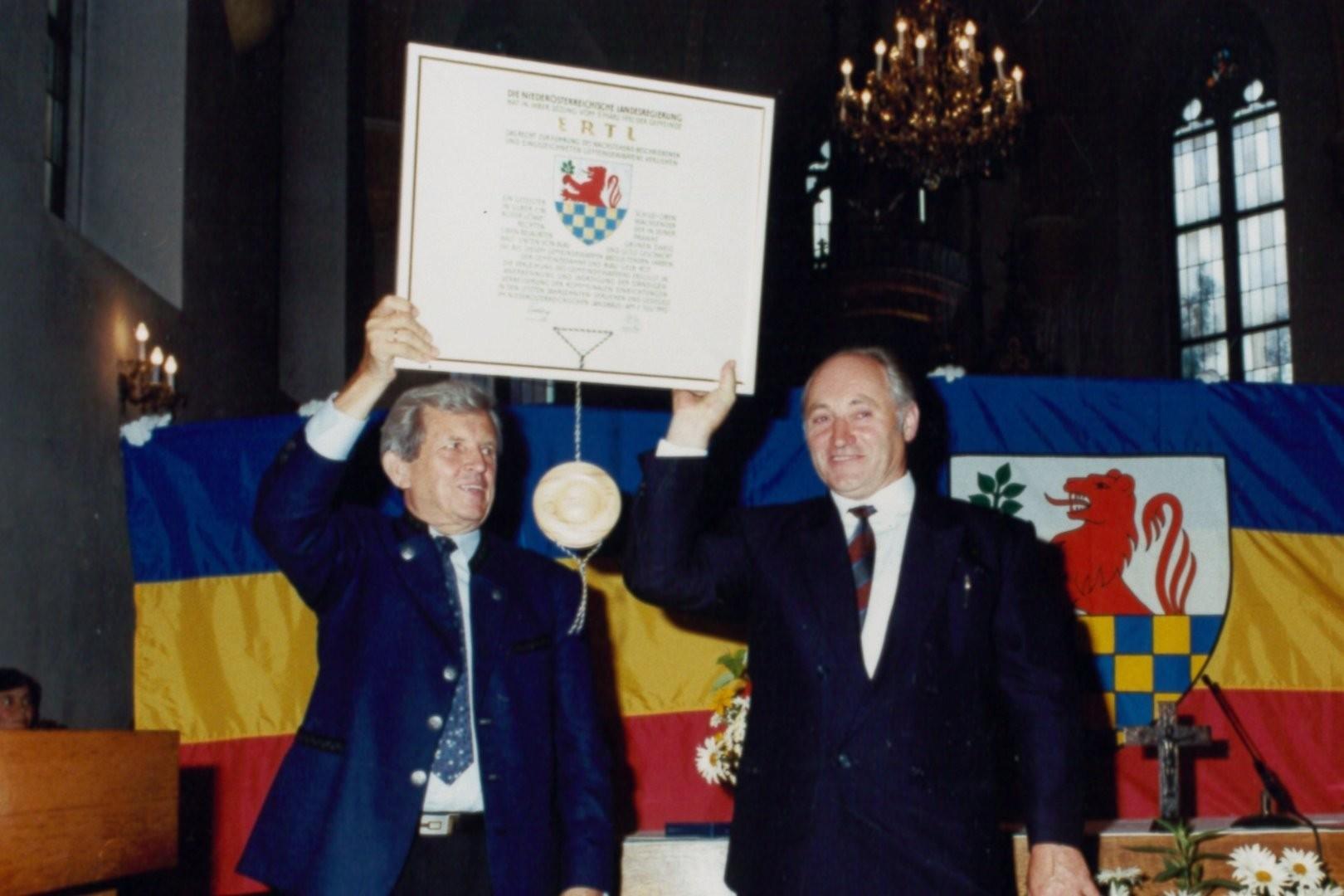 Wappenverleihung 1992 LH BGM.jpg