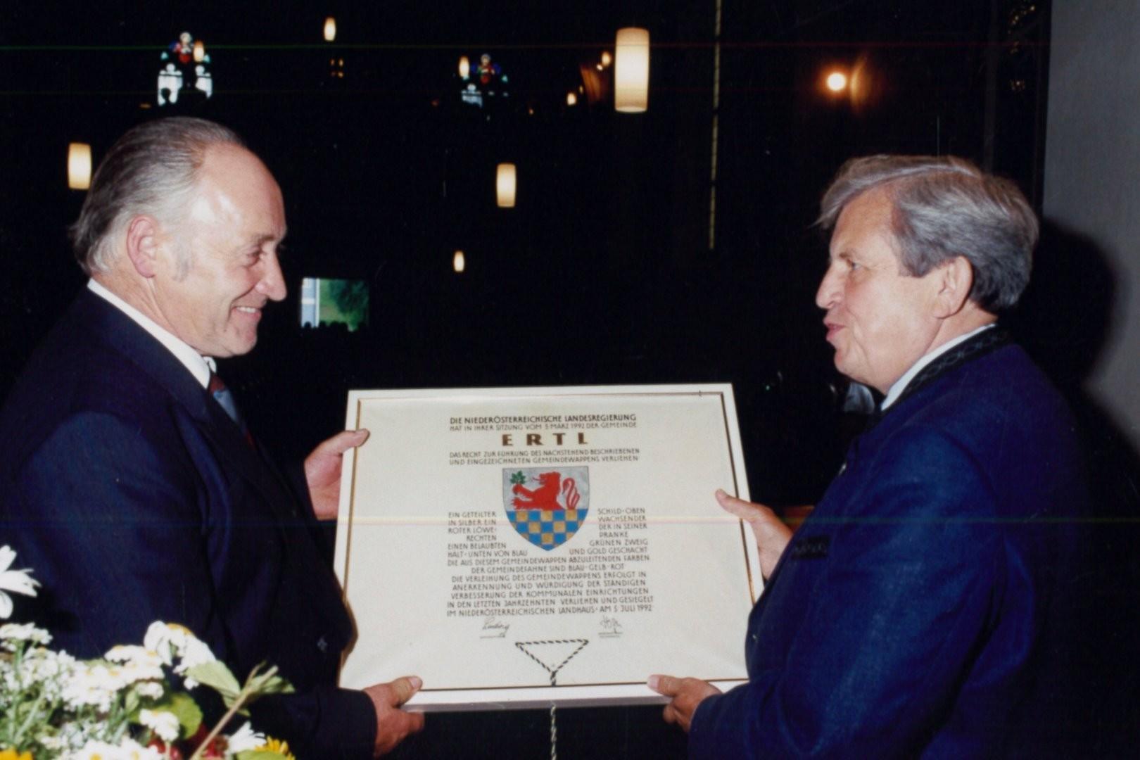 Wappenverleihung 1992.jpg