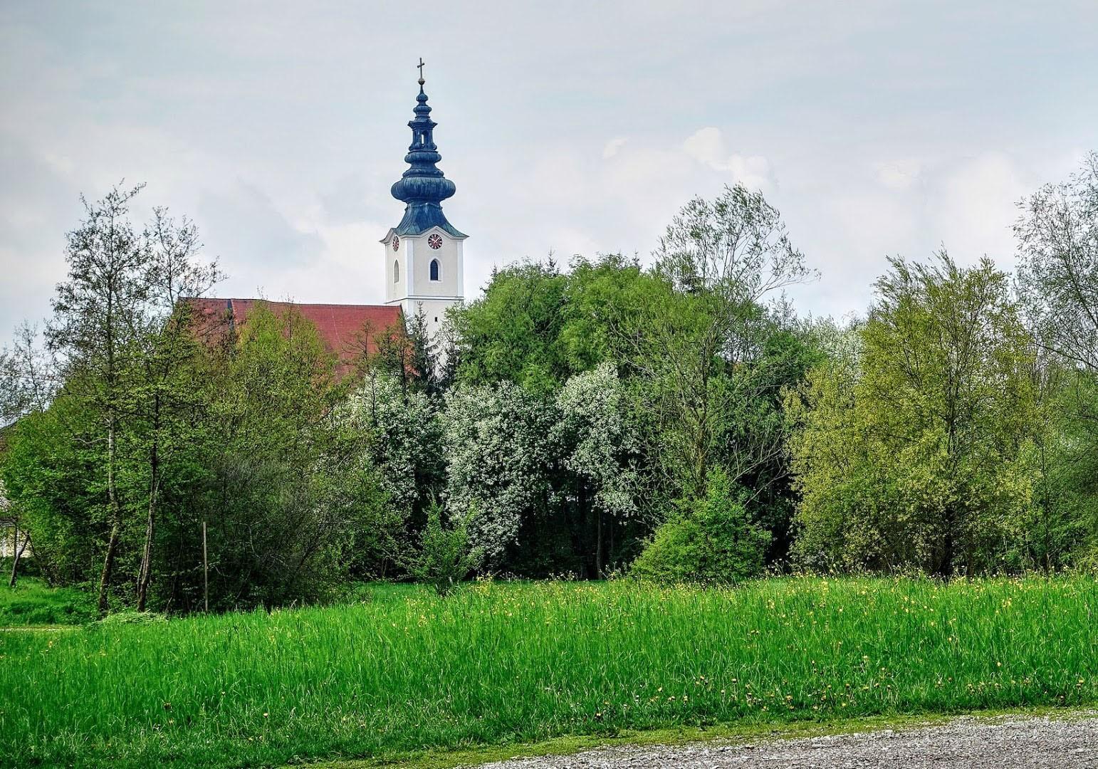 Kirche Aschbach_1.jpg