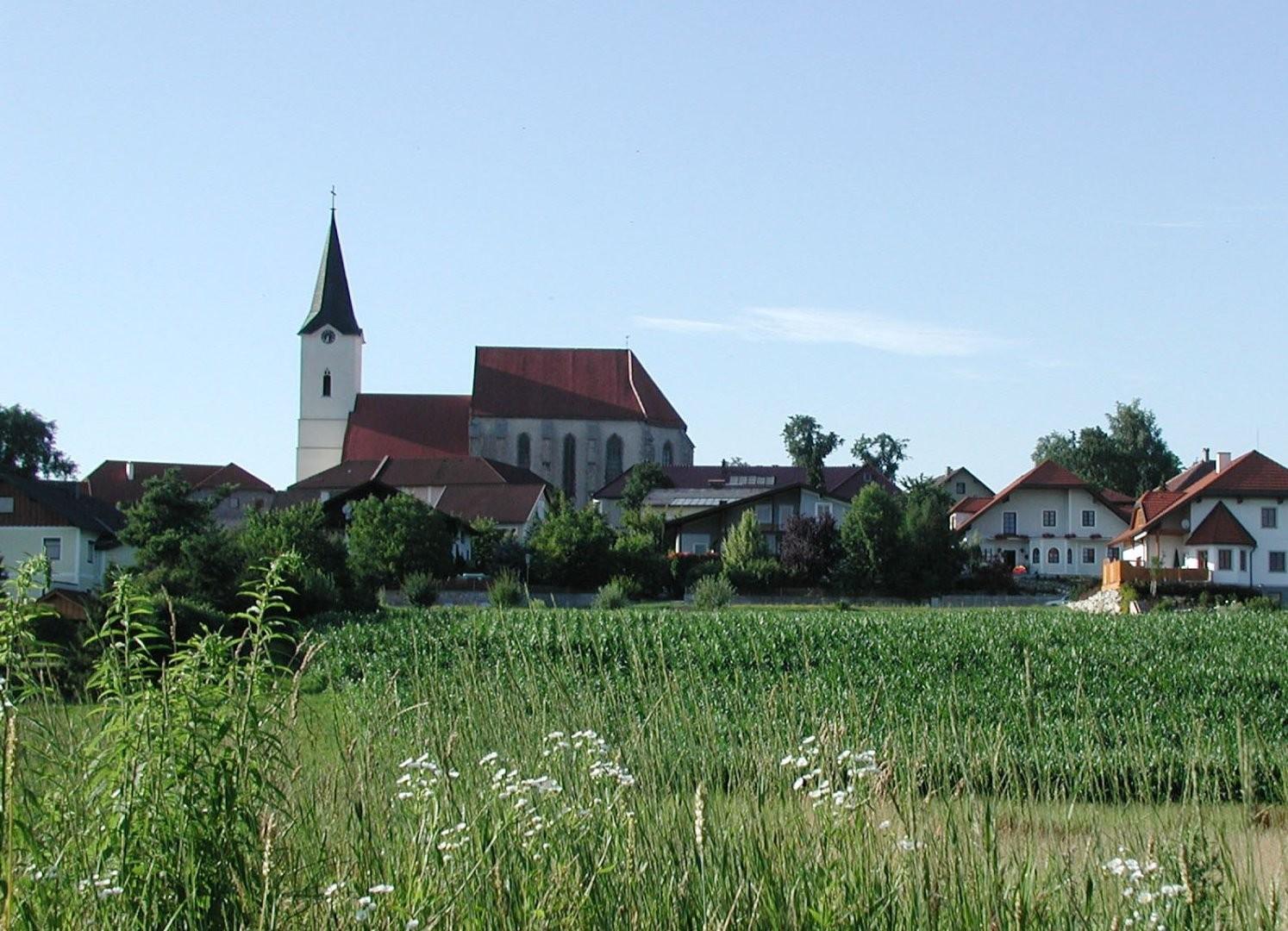 Kirche_Krenstetten_.jpg