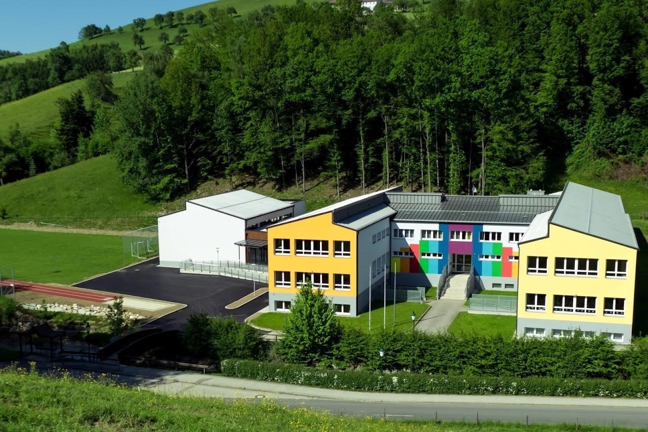 Volks Mittelschule Ertl.jpg