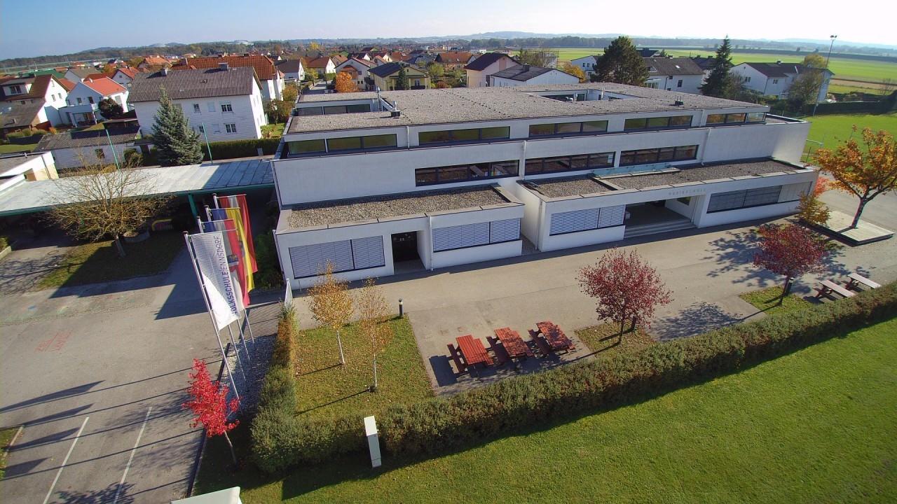 Volksschule (1).jpg
