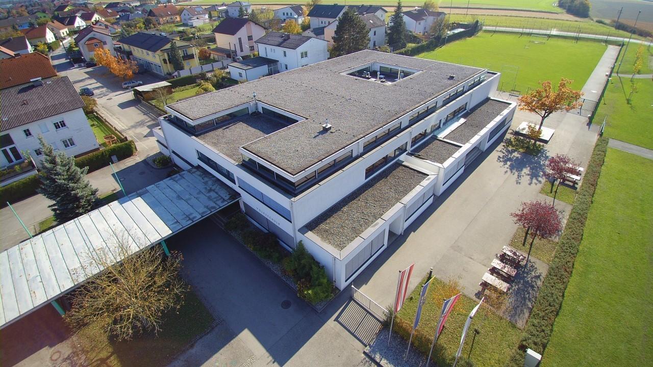 Volksschule (2).jpg