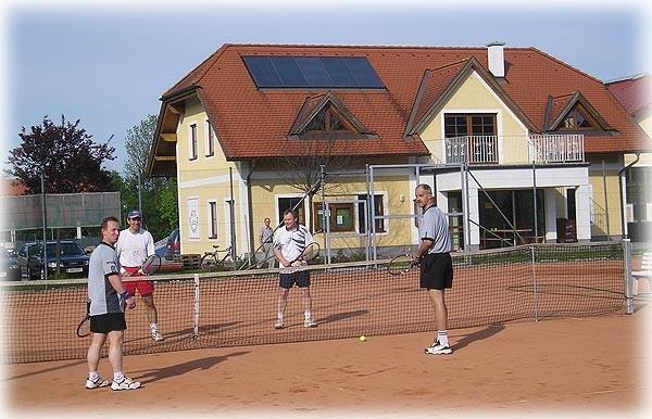 seit_tennis2.jpg