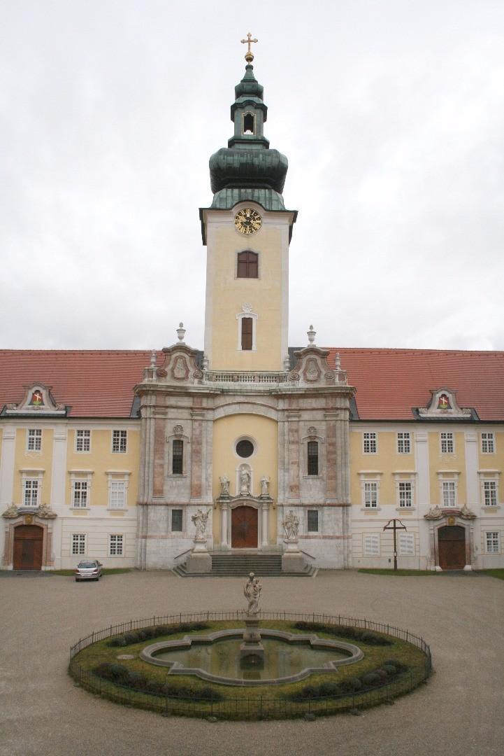 stiftshof01.jpg