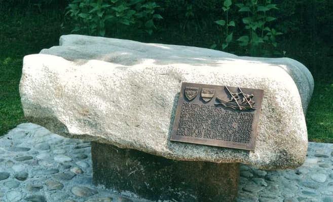 Steinener Tisch.jpg