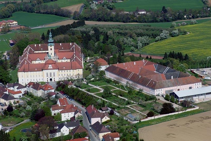 Stift_Luftaufnahme.jpg