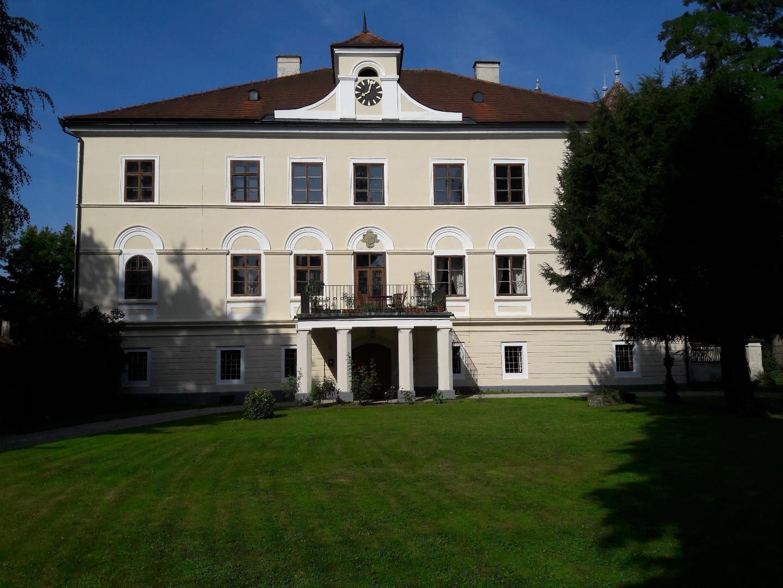 Schloss Kröllendorf.jpg