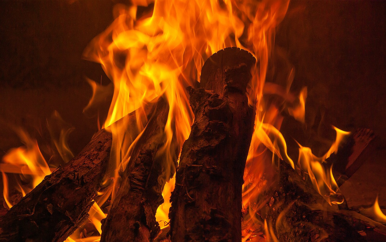 fire-2712081_1280.jpg