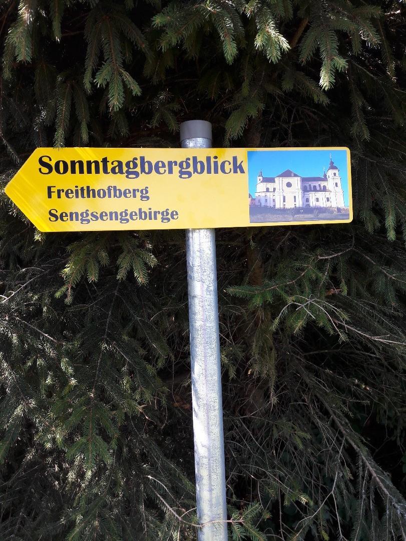 Sonntagbergblick Schild.jpg