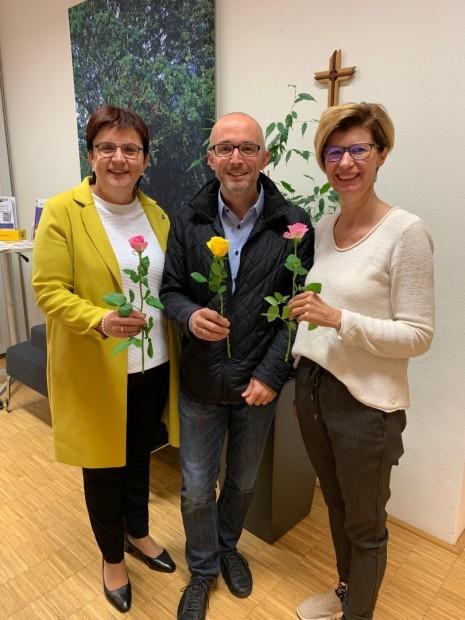 01-Faitrade-Rosenchallenge-OedOehling-2019-Gemeindeamt.jpg