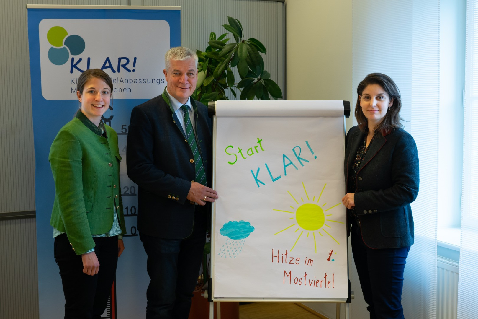 Team KLAR-2.jpg