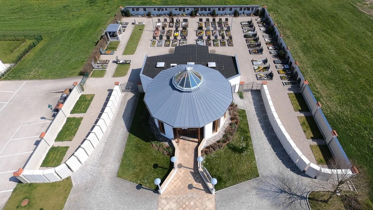 Gemeindefriedhof-02.jpg