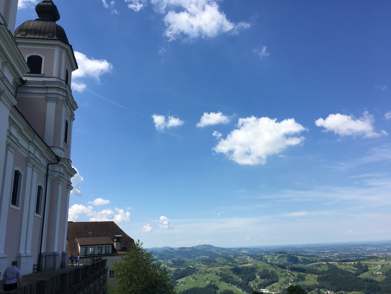 Basilika und Umgebung_Sommer 2019.JPG