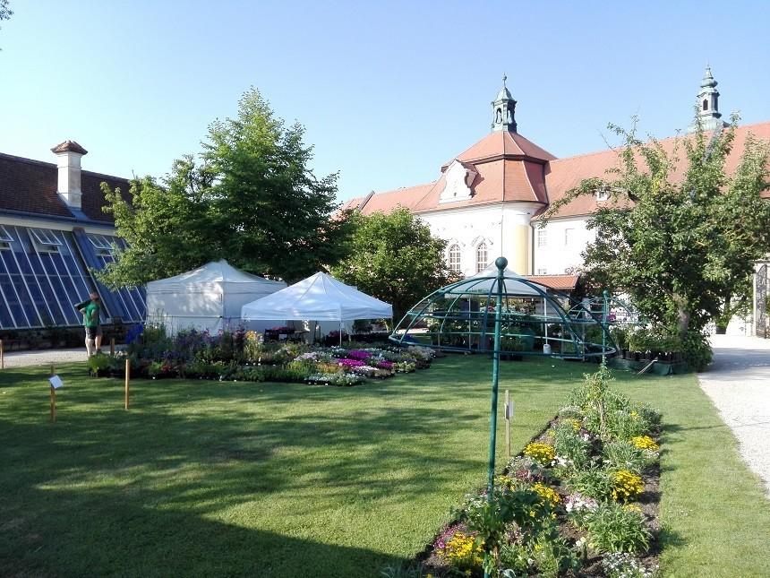Stift Seitenstetten mit historischem Hofgarten; Fotokredit: Doris Schwarz König, Stift Seitenstetten und WeinFranz