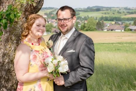 20.05.22 - Hochzeitsfoto Bianca & Peter Steiner_Gemeinde 1.jpg