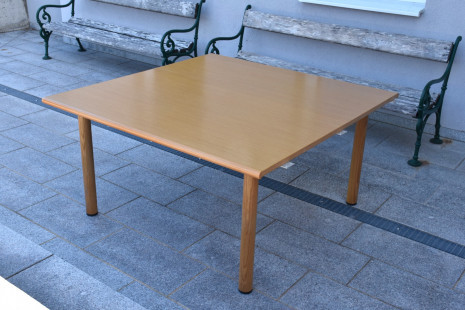 Tisch-komp.JPG