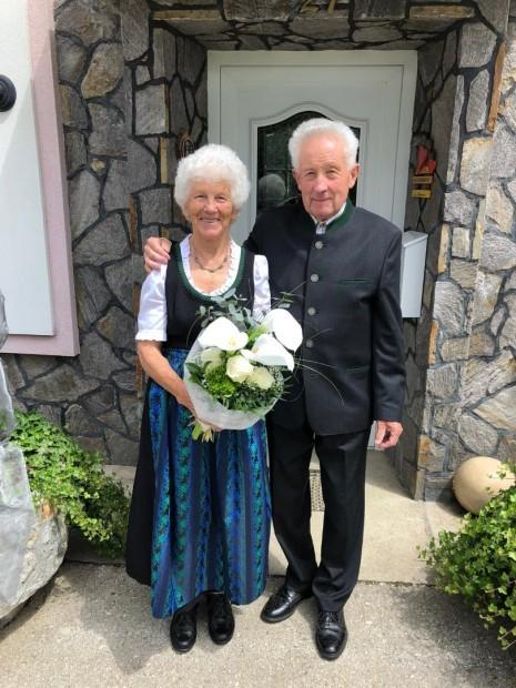Diamantene Hochzeit Kropfreiter Karl und Maria 6-2020.jpg