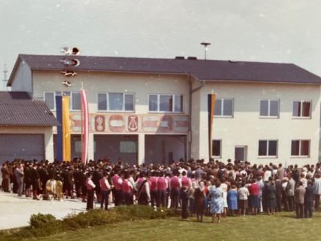 1977_Eröffnung FF-Kürnberg Feuerwehrhaus.jpg