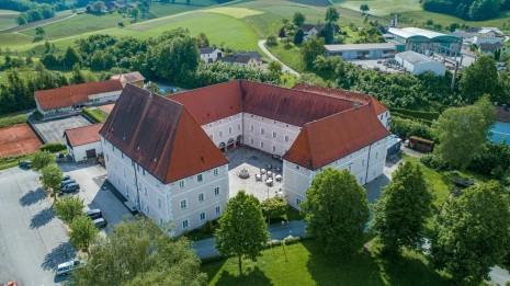 Drohne Schloss Zeillern Cleanhill Studios (2 von 15).jpg