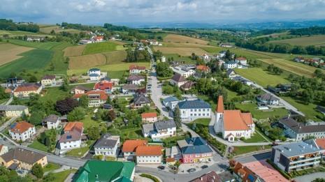 Drohne Schloss Zeillern Cleanhill Studios (6 von 15).jpg