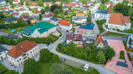 Drohne Schloss Zeillern Cleanhill Studios (14 von 15).jpg