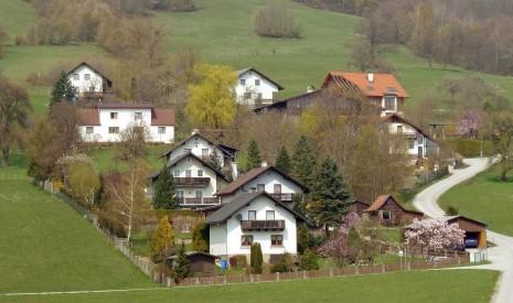 Häuser & Wohnungen
