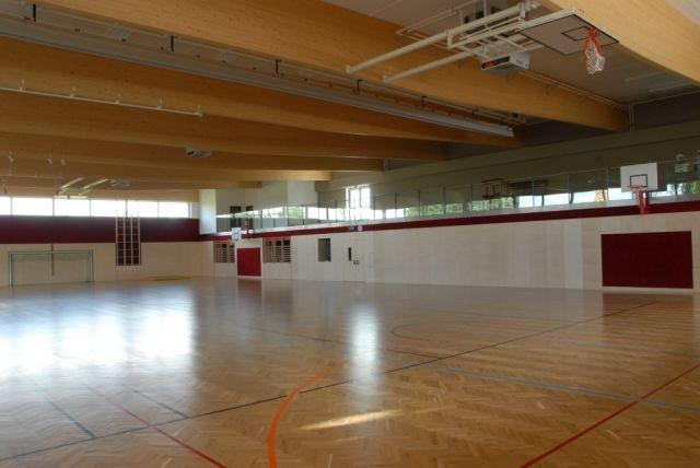 sporthalle1.jpg