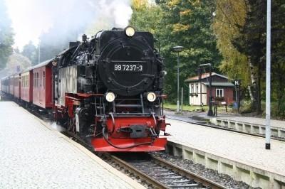 Bahn/Schifffahrt