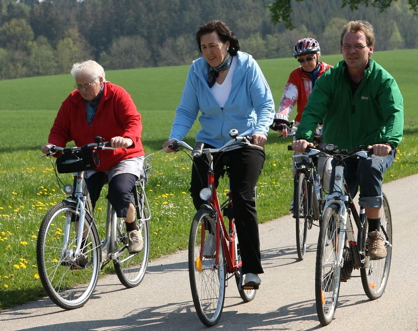 Radfahren Bürgermeisterin.jpg
