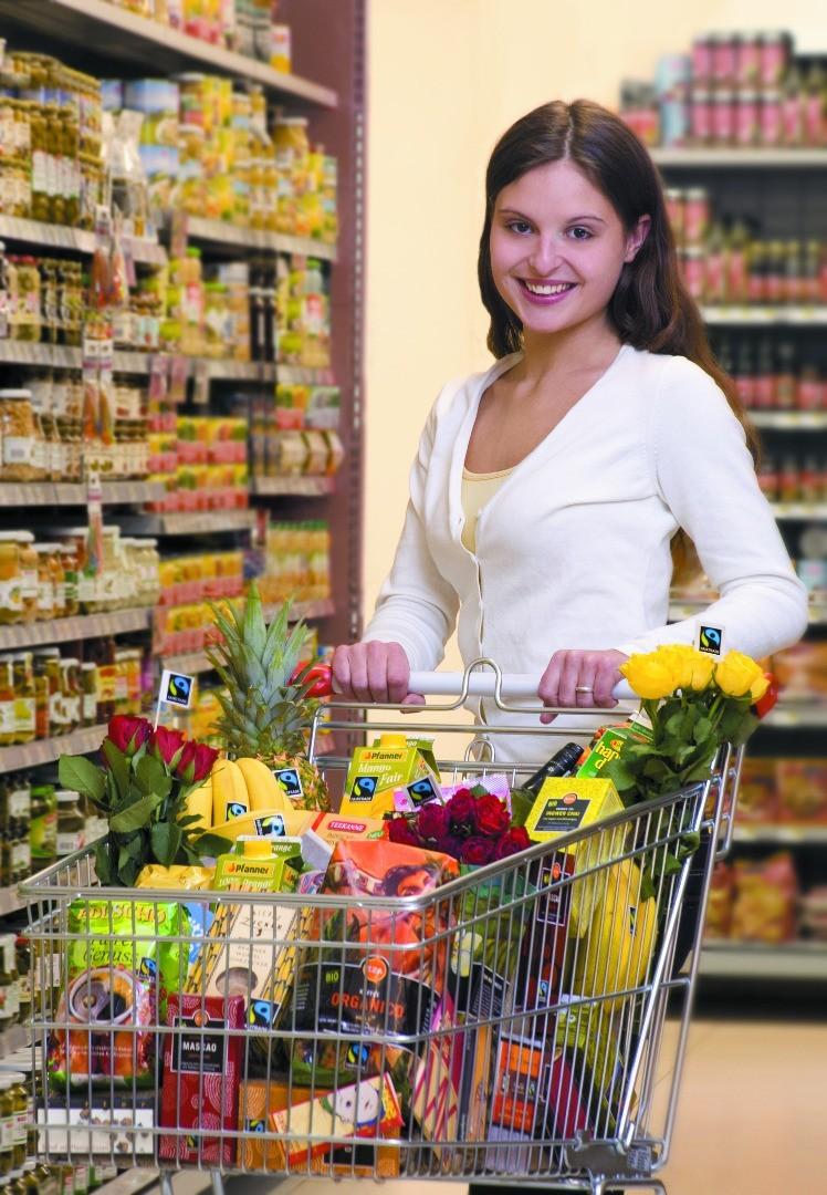 (c)_FAIRTRADE_Österreich_im_Supermarkt_cmyk[1].jpg