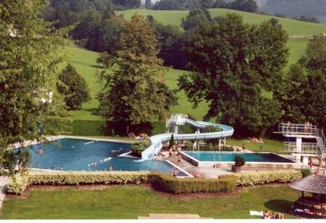 schwimmbad1_2kl1.jpg