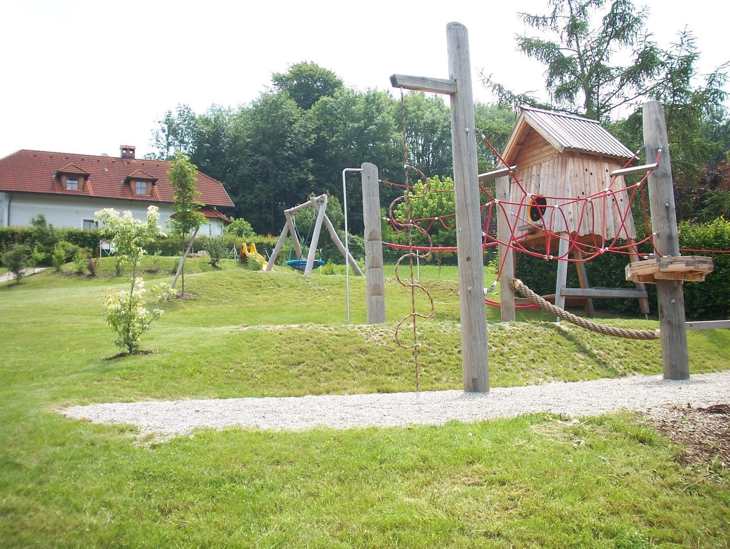 Spielplatz Vestenthal.jpg
