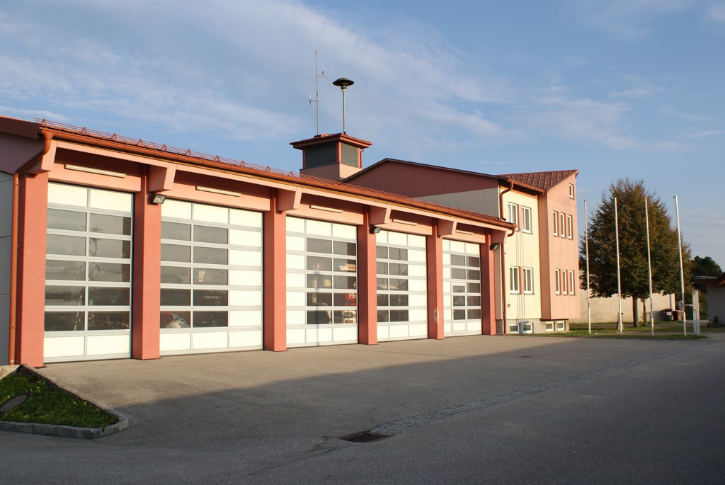 Feuerwehrhaus.jpg