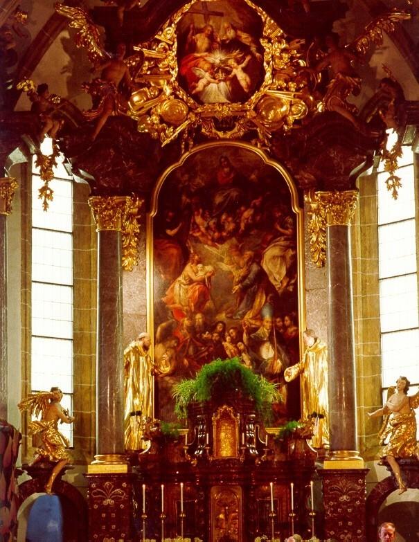 PfarrkircheInnenansicht.jpg