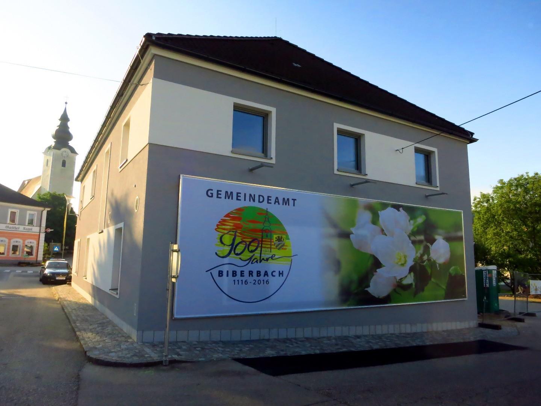 2016-07-19 Gemeindeamt Banner am Morgen  2.JPG